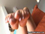 Des superbes pieds de latina domina